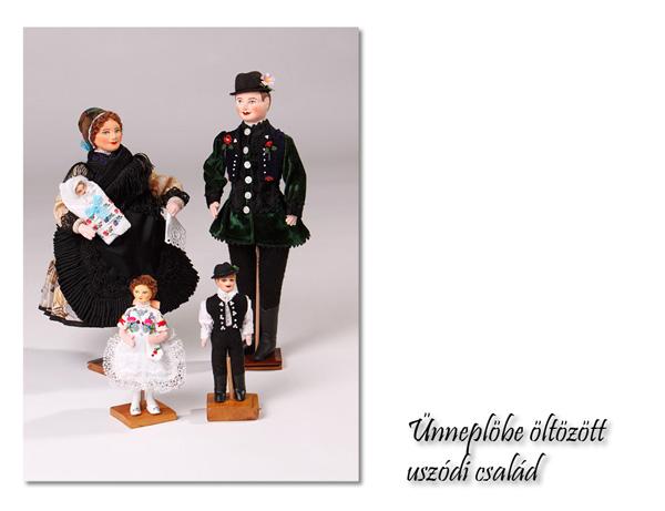Ünneplőbe öltözött család